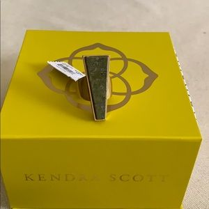 NWT Kendra Scott Collins Cocktail ring size 7.
